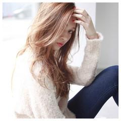 ロング ハイライト 前髪あり ゆるふわ ヘアスタイルや髪型の写真・画像