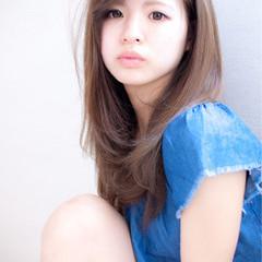 大人女子 セミロング かわいい ナチュラル ヘアスタイルや髪型の写真・画像
