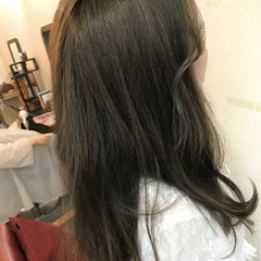 アッシュ グレージュ 愛され フェミニン ヘアスタイルや髪型の写真・画像