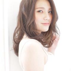 ミディアム センターパート 夏 大人かわいい ヘアスタイルや髪型の写真・画像
