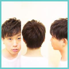 ナチュラル ショート メンズ 暗髪 ヘアスタイルや髪型の写真・画像