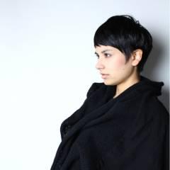 ナチュラル ショート 卵型 ウェットヘア ヘアスタイルや髪型の写真・画像