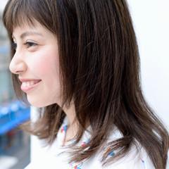 簡単 ショートバング フェミニン ナチュラル ヘアスタイルや髪型の写真・画像