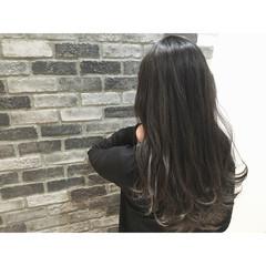 ハイライト 外ハネ 暗髪 ロング ヘアスタイルや髪型の写真・画像