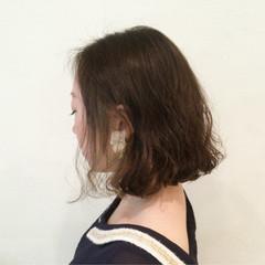 グレージュ パーマ アッシュベージュ ナチュラル ヘアスタイルや髪型の写真・画像