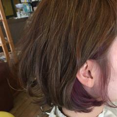 インナーカラー 大人かわいい ピンク アッシュ ヘアスタイルや髪型の写真・画像