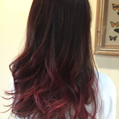 春 ピンク ロング ビビッドカラー ヘアスタイルや髪型の写真・画像