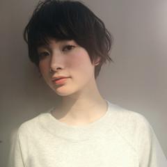 小顔 ミルクティー 大人女子 ニュアンス ヘアスタイルや髪型の写真・画像