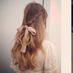 編み込み フェミニン ガーリー ハーフアップ ヘアスタイルや髪型の写真・画像