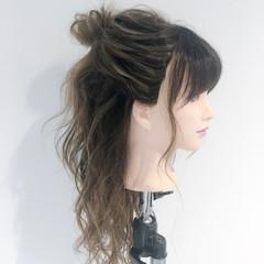リラックス ハーフアップ 女子会 デート ヘアスタイルや髪型の写真・画像