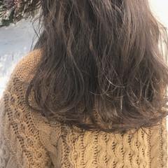 セミロング ガーリー 冬 パーマ ヘアスタイルや髪型の写真・画像