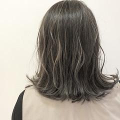 イルミナカラー ボブ モード バレイヤージュ ヘアスタイルや髪型の写真・画像