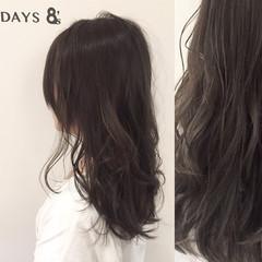 アッシュ オリーブアッシュ ストリート セミロング ヘアスタイルや髪型の写真・画像