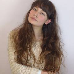 ナチュラル モテ髪 ゆるふわ 外国人風 ヘアスタイルや髪型の写真・画像