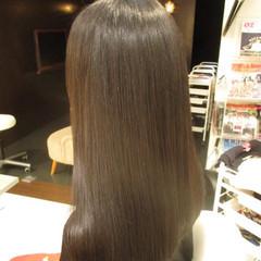 ロング イルミナカラー 暗髪 モード ヘアスタイルや髪型の写真・画像