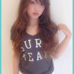 外国人風カラー グレージュ アッシュ ロング ヘアスタイルや髪型の写真・画像