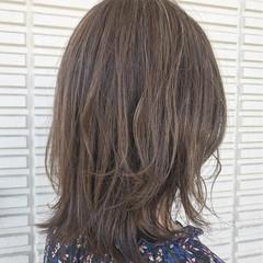 ガーリー アッシュベージュ ミディアム ラベンダーアッシュ ヘアスタイルや髪型の写真・画像