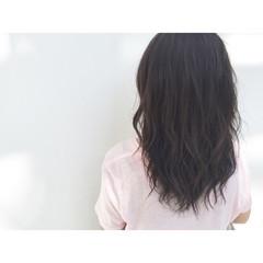 セミロング グラデーションカラー 暗髪 アッシュ ヘアスタイルや髪型の写真・画像