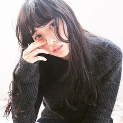 パーマ 暗髪 ナチュラル セミロング ヘアスタイルや髪型の写真・画像