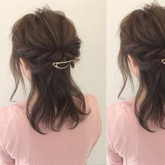 デート ナチュラル ミディアム 簡単ヘアアレンジ ヘアスタイルや髪型の写真・画像