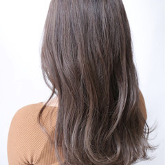 ゆるふわ 冬 ハイライト フェミニン ヘアスタイルや髪型の写真・画像
