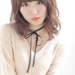 ミディアム 渋谷系 フェミニン ナチュラル ヘアスタイルや髪型の写真・画像