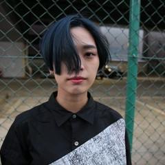 ショート ブルー ハイトーン ブリーチ ヘアスタイルや髪型の写真・画像