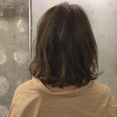 ミディアム デート スポーツ オフィス ヘアスタイルや髪型の写真・画像