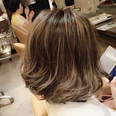 アッシュ ボブ 外国人風 ハイライト ヘアスタイルや髪型の写真・画像