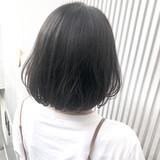 前髪 ナチュラル グレージュ ストレートヘアスタイルや髪型の写真・画像