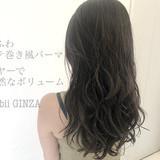 ヘアスタイル コテ巻き風パーマ デジタルパーマ ナチュラル ヘアスタイルや髪型の写真・画像