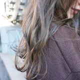 くすみベージュ 透明感カラー くすみカラー アンニュイほつれヘア ヘアスタイルや髪型の写真・画像[エリア]