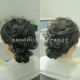 編み込み ヘアアレンジ セミロング 波ウェーブ ヘアスタイルや髪型の写真・画像