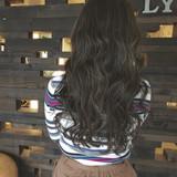 グレージュ ロング バレイヤージュ ハイライト ヘアスタイルや髪型の写真・画像
