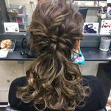 フェミニン セミロング パーティ 二次会 ヘアスタイルや髪型の写真・画像 | シンディー(店長)/shinji / hair make salon Revier