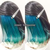 ミディアム ヘアカラー エメラルドグリーンカラー ターコイズブルー ヘアスタイルや髪型の写真・画像