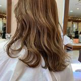 エレガント ハイライト バレイヤージュ ロング ヘアスタイルや髪型の写真・画像
