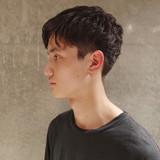ツーブロック メンズパーマ ショート ナチュラル ヘアスタイルや髪型の写真・画像 | 刈り上げ・2ブロック専門美容師 ヤマモトカズヒコ / MEN'S GROOMING SALON AOYAMA by kakimoto arms