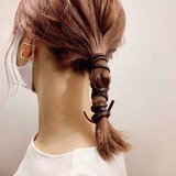 ナチュラルベージュ ミディアム 紐アレンジ 簡単ヘアアレンジ ヘアスタイルや髪型の写真・画像[エリア]