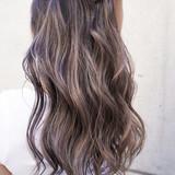 外国人風カラー グレージュ バレイヤージュ ローライト ヘアスタイルや髪型の写真・画像 | TAKEMI / BEBE 表参道