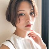ミルクティーベージュ 大人ミディアム 大人かわいい デジタルパーマヘアスタイルや髪型の写真・画像