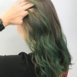 ストリート ベージュ セミロング インナーカラー ヘアスタイルや髪型の写真・画像   YUKA /