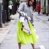 アウトドア ロング デート ストリートヘアスタイルや髪型の写真・画像
