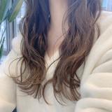 ナチュラル ロング グレージュ アンニュイほつれヘア ヘアスタイルや髪型の写真・画像