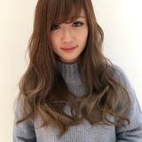 ロング ハイライト ガーリー アッシュ ヘアスタイルや髪型の写真・画像
