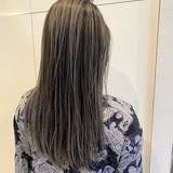 グレージュ ホワイトグレージュ ナチュラル ロング ヘアスタイルや髪型の写真・画像