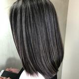 ミディアム 3Dハイライト ナチュラル 切りっぱなしボブ ヘアスタイルや髪型の写真・画像