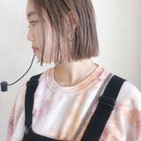 ショートボブ ベージュ ミルクティーベージュ 切りっぱなしボブ ヘアスタイルや髪型の写真・画像[エリア]