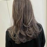 ストリート バレイヤージュ ロング ホワイトグレージュ ヘアスタイルや髪型の写真・画像