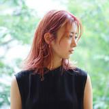ピンク ブリーチカラー ピンクベージュ フェザーバング ヘアスタイルや髪型の写真・画像 | 川村勇貴 / BEAUTRIUM鎌倉小町店
